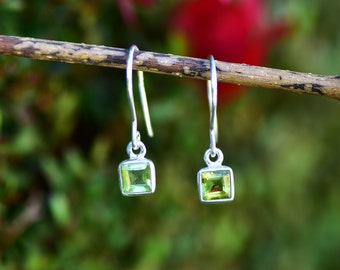 Peridot Earring Peridot Jewelry Green Peridot Gemstone Earring Sterling Silver Peridot August Birthstone Peridot Dangle Drop Green Earring