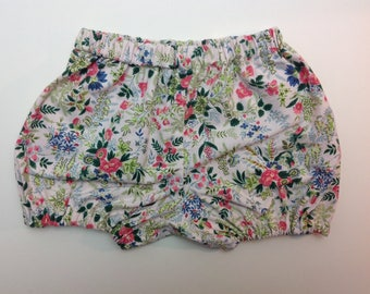 Vintage fabric bloomers, girls shorts, girls bloomers, Bloomers for girls, free uk shipping , girls shorties, summer shorts, vintage shorts