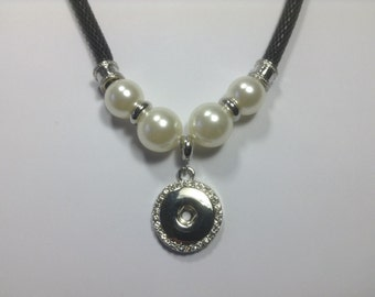 New! BLACK MESH & PEARLS Snap Necklace....Fits 18-20mm snaps