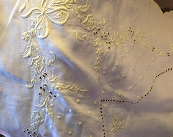 44 ins square Heavily embroidered edwardian tablecloth. Lemon on white. Gorgeous! Cotton