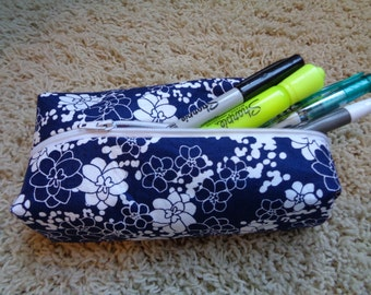 Dark Navy and White Flowers Squared Zippered Pouch