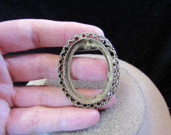 Vintage Goldtone Frame/Pin-For Crafting