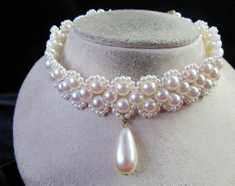 Vintage Chunky White Faux Pearl Choker Necklace