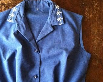 SALE | Vintage 1950s Chambray Blue Sleeveless Top - Fleur-de-Lis Embroidery