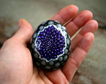 Purple Amethyst Birthstone, Geode Hand Painted Stone, Purple Gemstone Painted Beach Stone, Dot Painting, Rock Painting, Purple Paperweights