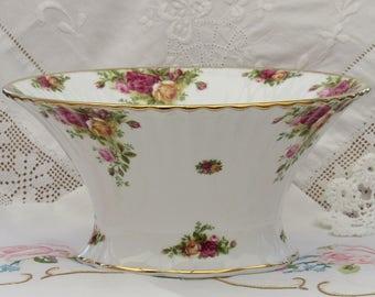 Royal Albert, Old Country Roses, Fruit Bowl, Tall Bowl, Fluted Bowl, Bone China Bowl, Floral Bowl, 1960's Royal Albert
