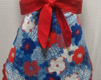 Red, white and blue flower half apron
