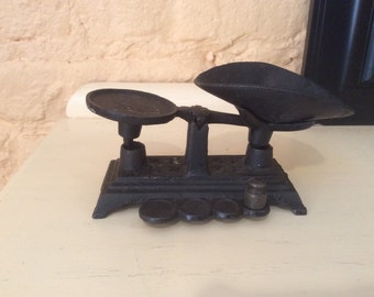Minature Cast Iron Scale with 1 Weight