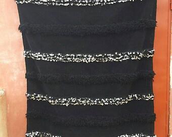 Black wedding blanket with line sequins