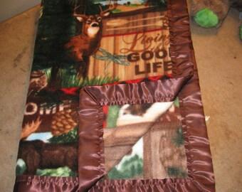 """Soft Fleece """"Living the Good Life"""" Cabin Blanket"""