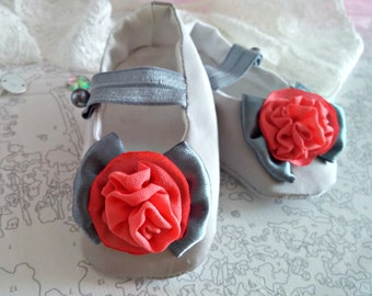 SALE 30%, READY to ship, 3-6 months, Grey baby girl shoes, dressy ballet flats, baby outfit, grey baby shower gift, grey girl slippers