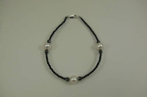 Freshwater White Pearl, Black Spinel and Hematite Bracelet with Silver Clasp