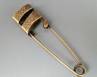 Brooch 7,6 cm metal bronze color fancy head