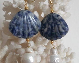 Earrings white Baroque pearls and shells sodalite