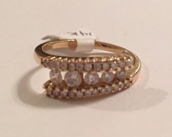 14K Yellow Gold Diamond Ring, in excellent condition