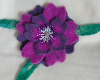 Felted flower brooch, Purple flower brooch woolen, Purple flower brooch, Felted Purple flower hear pin, Easter brooch, Easter gift brooch