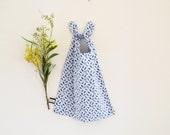 Large bib , XL bib , reversible bib , blue , animal, gingham pattern , napkin to tie around the neck , toddler bib , kids napkin , kids