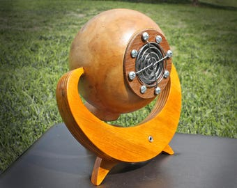 Custom Gourd Speaker Dock, Mp3 player for phone, Ipod, PC, Made from sustainable organic Gourds, steampunk style