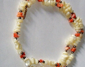 1970S MOTHER OF PEARL and coral necklace