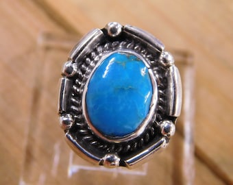 Elegant Turquoise Sterling Silver Ring Size 5.5