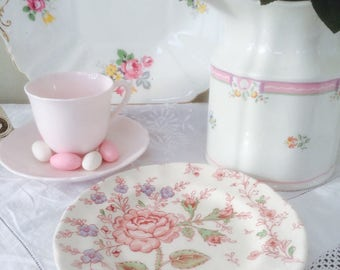Delightful Johnson Brothers Rose Chintz Vintage Sandwich Plate
