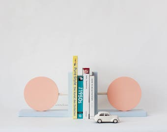 children's bookends,bookends for kids,stylish bookends,modern bookends,wooden bookends,circle bookends,pink bookends, blue bookends