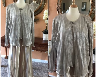 Stunning Oversize 2 pieces dress Silver and Gold Dress with Jacket Size 26W By CACHET Mother of the Bride Maid of Honor Evening Dress