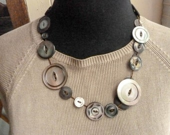 Vintage Shell Abalone Button Necklace