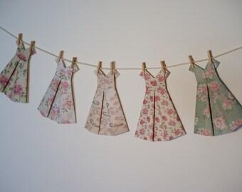 Boucles d 39 oreille robes notes de musique en origami - Robe en origami ...