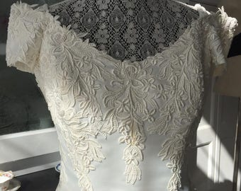 Vintage MON CHERIE WEDDING Gown/ Spectacular Hand Made Satin Gardinias on Hem/Best Quality Lace on Bodice/Stunning Ivory Gown
