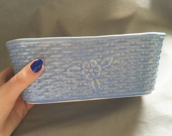 Small Blue Floral Ceramic Container // Basket Weave // Floral Home Decor // Vintage Home Decor // Small Container // Storage Ideas (B11)