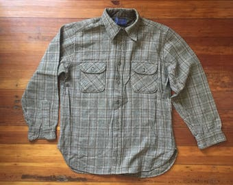 Vintage Pendleton Button up Shirt Mens Plaid 100% Pure Virgin Wool Long Sleeve Button Up Shirt Size Large