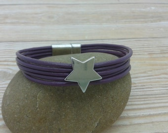 Leather Bracelet with star, purple