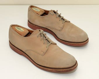 Bucks ALLEN EDMONDS Tan Bucks  9.5B (US) 40s style white Bucks