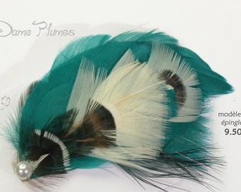 Feathers pin