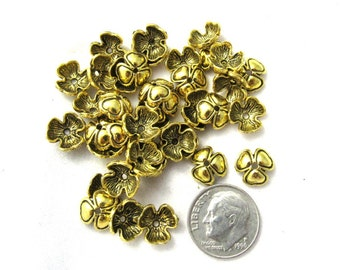 25 3 Petal GT Flower Bead Caps 10mm x 10mm (s15b2)