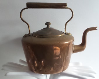 Wilkes Edward Villers  Rare Kettle Copper Victorian Stamped near spout 18th century