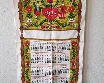 Vintage Calendar Tea Towel. Vintage Kitchen Linen. 1970s Decor.