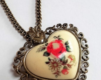 Vintage style rose heart in enamel with dark gold chain