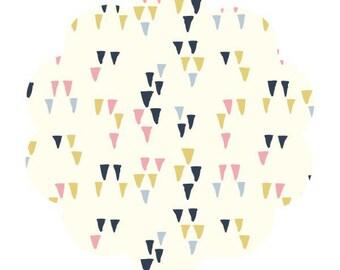 Arrowhead print fabric. Organic cream fabric. Wildland collection. Arrowhead cotton baby fabric. Apparel/quilt cotton fabric. Sewing fabric.