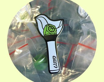 Glow-In-The-Dark Ahgabong 1.0 & 2.0 Pins GOT7 Lightstick Soft Enamel Lapel Flair KPOP Fanmade Badge JYP Nation iGOT7 Ahgase Gift 아가새 아가봉