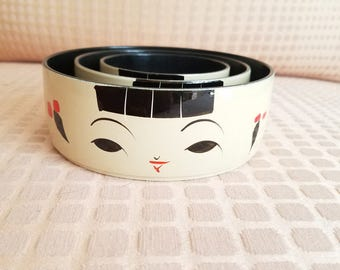 Nested Kokeshi Lacquerware Bowls hand painted set of three Japanese girl lacquered melamine bowls red cream black vintage Japanese trinket