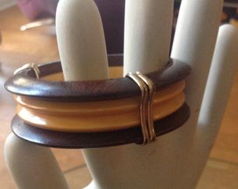 Vintage wood & yellow carved Bakelite bracelet with brass