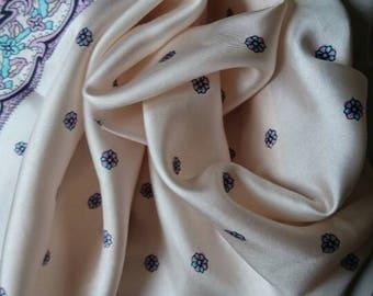 Vintage silk scarf. Ladies scarf. Ladies shawl. Vintage fashion. Gifts for her.