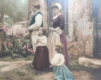 Antique postcard of Catholic family praying * The Angelous