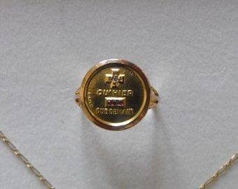 Ring + medal + chain 18K Gold signed A.Augis