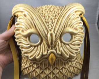 Vintage Romantic and Beautiful Elegant Owl Mask Wall Hanging