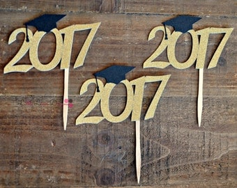 2017 Cupcake Toppers. Class of 2017. Graduation. Senior 2017. Graduation Party Decorations.