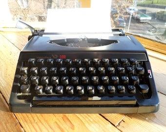 Vintage Vendex 500 typemachine *working * typewriter * schreibmaschine * machine à écrire schreibmaschine, original 1970s