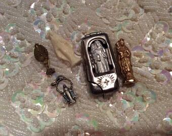 Pocket shrine religious madonnas figurines Ste Anne de Beaupre souvenir